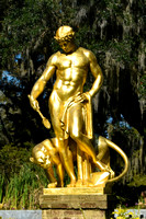 Gold statue_7415